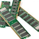 Sticks de memoria RAM.